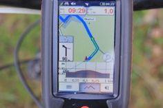 """Im #Härtetest: #Outdoor-#Navigationsgerät Falk Lux 32.Auf dem Nachhauseweg von einer ausgiebigen Testtour mit dem Mountainbike will ich es jetzt wirklich wissen. """"Wenn er das findet, ist er gut."""" Ich erwarte nicht, dass der """"#Lux 32"""" die Abkürzung über den #Golfplatz auf den #Falk Lux 01Forstweg im Wald kennt."""