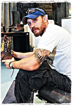 Tom Hardy, handsome as fuck!  So glad to be living at the same time as this beautiful man!