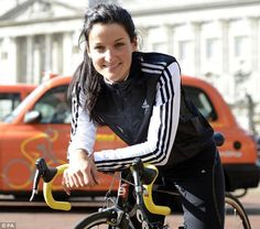 Cyclist Lizzie Armitstead from Otley, Yorkshire wins Silver at Olympics