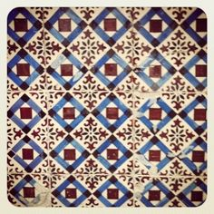 Lovely wall tiles in Oporto, Portugal
