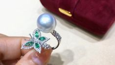0.80ct Diamond, AAAA 11-12 mm South Sea Pearl Luxury Ring 18k Gold w/ Emerald | the-pearl-vogue Gold Rings Jewelry, Gold Jewellery Design, Pearl Jewelry, Bridal Jewelry, Diamond Jewelry, Pearl Ring Design, Perfume, Ring Designs, Peacock