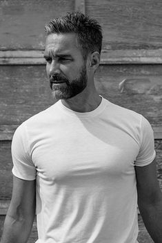 Jay harrington bearded men, man crush, handsome older men, celebrities before and after Hairy Men, Bearded Men, Silver Foxes Men, Silver Man, Handsome Older Men, Men Over 40, Celebrities Before And After, Man Crush Everyday, Hommes Sexy