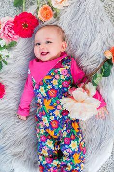 Knallig-lebhafte Farb- und Musterkombinationen abseits vom Mainstream sind das Markenzeichen von Babauba Baby Outfits, Sewing For Kids, Kind Mode, Bunt, Design, Comfortable Fashion, Patterns, Baby Coming Home Outfit