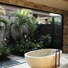 I want an outside bath like this.