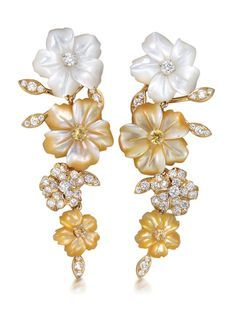 Flower earrings, by Padani. Gold with white and yellow mother-of-pearl flowers adorned with diamonds and sapphire. Gems Jewelry, High Jewelry, Jewelry Accessories, Jewelry Design, Mother Of Pearl Jewelry, Animal Jewelry, Flower Earrings, Gold Earrings, Beautiful Earrings