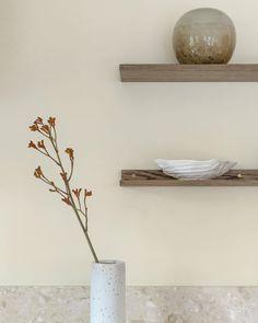 "STUDIO FLYGARE on Instagram: ""Details 🤎 Design @studioflygare Photo @scandinavianhomes Kitchen & shelfs @lucks_by_robo"" Floating Shelves, Detail, Studio, Kitchen, Instagram, Design, Home Decor, Cooking, Decoration Home"
