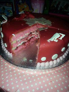Leuke binnenkant voor 3 laags stapel taart meisje