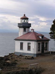 Lime Kiln Lighthouse on Washington State's San Juan Island State Parks, Wa State, Houses In America, Lighthouse Photos, Best Airlines, San Juan Islands, Light Of The World, Water Tower, Vacation Places