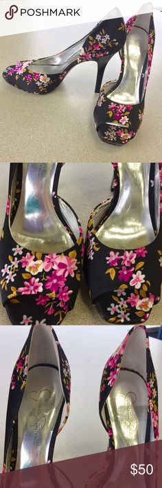 *NEw Jessica Simpson Floral Heels ****New Jessica Simpson Open Toe Floral Black with hot pink flowers Heels just Gorgeous!!!!! Size 8 1/2 Jessica Simpson Shoes Heels