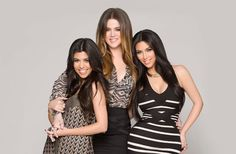 3 sisters picture poses | London Personal Shopper: Kardashian Sisters Pose