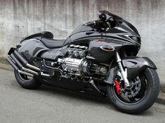 Honda Valkyrie...V6 superwing?