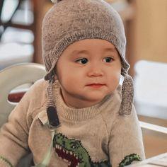 Bentley Wallpaper, Cute Kids, Cute Babies, Superman Baby, Ulzzang Kids, Korean Babies, Winter Hats, Children, Angels