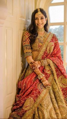 Party Wear Indian Dresses, Indian Gowns Dresses, Indian Bridal Outfits, Indian Bridal Fashion, Dress Indian Style, Indian Fashion Dresses, Indian Designer Outfits, Wedding Dresses, Wedding Lehenga Designs