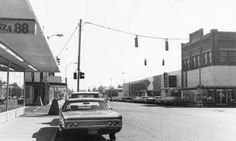 Fourth Avenue in Downtown pasco was widened in 1979. Trees were removed from the sidewalks and the street was widened to four lanes.