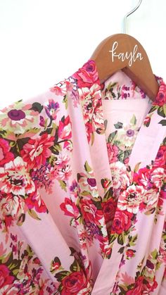 Our super soft floral kimono robes are perfect for you and your bridesmaids to wear while getting ready on the day of the wedding! Choose from floral patterns i Bridesmaid Hangers, Bridesmaid Dresses, Wedding Dresses, Wedding Bags, Wedding Ideas, Wedding Gifts, Wedding Decorations, Wedding Inspiration, Blush Pink Bridesmaids