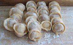 Najlepší recept na domáce pelmene od ruského šéfkuchára. Ide to tak jednoducho a ľahko - Báječná vareška Ravioli, Barbecue, Garlic, Deserts, Ale, Bread, Vegetables, Food, Rusko