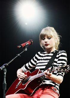 Taylor Swift...she's so cute!