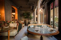 Targa, Czech and 811 by GTV for the restaurants at Hotel Tortue Buckingham Palace, David Chipperfield Architects, Wood Structure, Brick Facade, Das Hotel, Red Bricks, Hospitality Design, Restaurant Bar, Lighting Design