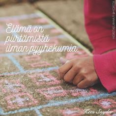 """Luottamus on rohkeutta"" – 5 voimakuvaa Sad Quotes, Qoutes, Truth Of Life, Live Love, Life Is Like, Note To Self, Mom Blogs, Deep Thoughts, Feel Good"