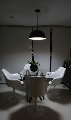 Apartamento Masculino, Apartamento para solteiro, Apartamento Barra da Tijuca, Cool Apartment, Man's apartment, Varanda Integrada, Saarinen Chair, Tulip Chair, Mesa Camelo