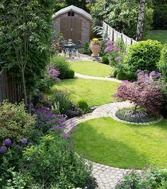 Minimalist Garden Design Ideas For Small Garden - Small g., Minimalist Garden Design Ideas For Small Garden - Small garden design ideas are not simple to find. The small garden design is . Landscaping Along Fence, Backyard Landscaping, Landscaping Ideas, Backyard Ideas, Landscaping Software, Backyard Designs, Porch Ideas, Inexpensive Landscaping, Hydrangea Landscaping