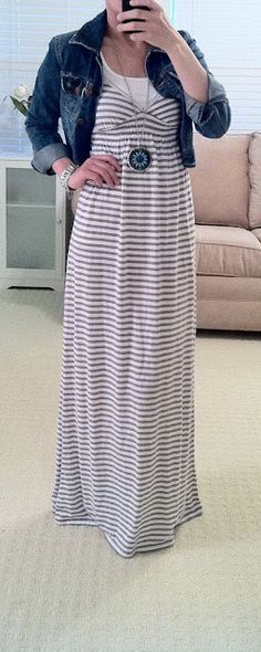 This girl took a picture of every outfit she wore every day for 365 days. tells you where she bought everything too. ill probably copy lots of these