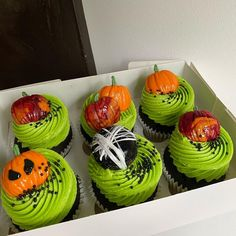 """@erinas_eats on Instagram: """"Spooky SZN is here!!!! Haven't had the chance to do a seasonal box but here it is, one for the kids since trick or treat isn't seeming…"""" Trick Or Treat, Treats, Cakes, Seasons, Box, Desserts, Kids, Instagram, Sweet Like Candy"""