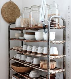 Love these shelves.