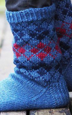 Miehen kirjoneule villasukat Novita 7 Veljestä Knitting Socks, Knit Socks, Mittens, Knit Crochet, Knitting Patterns, Crafts, Crocheting, Cozy, Adidas