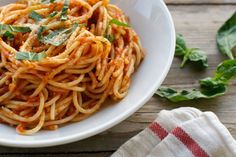 Pasta+with+No-Cook+Tomato+Sauce