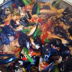 Grilled Paella Mixta (Paella with Seafood and Meat) Recipe - CHOW