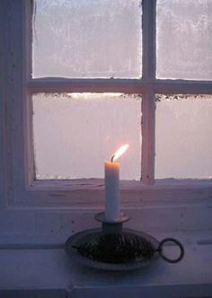 candlelight on a cold winter night Window Candles, Candle Lanterns, Candle In The Window, Flickering Candle, Hygge, Window View, Rear Window, Through The Window, Winter Wonder