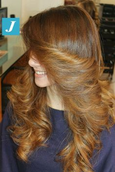 Modern version of a classic! Long Curly Hair, Long Hair Cuts, Big Hair, Long Hair Styles, 1970s Hairstyles, Pretty Hairstyles, Straight Hairstyles, Wavy Hairstyles, Everyday Hairstyles