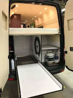 Wandpanelen Motorhome And House Car Sprinter Van Van Living Sprinter Van Conversion, Camper Van Conversion Diy, Kombi Motorhome, Van Interior, Airstream Interior, Interior Office, Interior Modern, Modern Interiors, Tiny Loft