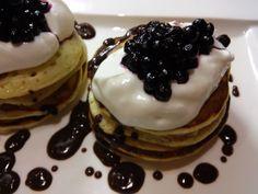 RECEPT: Jednoduché lievance z kyslého mlieka Ale, Pancakes, Breakfast, Food, Morning Coffee, Pancake, Ales, Meals, Yemek