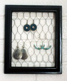 Cute idea..cute use for broches or hair clippies too.
