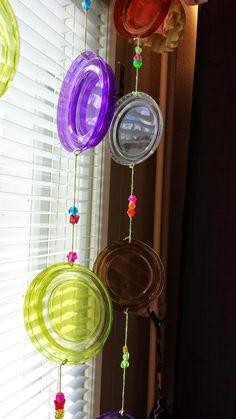 Aikaan Sinikellojen : Skyr-rahkapurkkien kansista kaunista Plastic