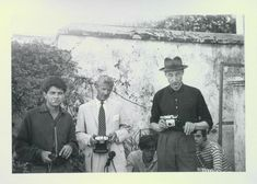 Gregory Corso, Paul Bowles, William Burroughs, Tangier (Michael Portman and Ian Summerville crouching behind Burroughs). Francesca Woodman, Allen Ginsberg, Great Novels, Writers And Poets, American Literature, William Morris, Medium Art, Historical Photos, Artist At Work