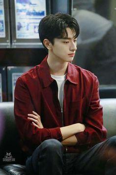 Cute Asian Guys, Cute Guys, Asian Boys, Asian Actors, Korean Actors, Sailor Moon, O Drama, Korean Boys Ulzzang, Cool Hairstyles For Men