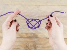 DIY tutorial: Make A Paracord Necklace via DaWanda.com