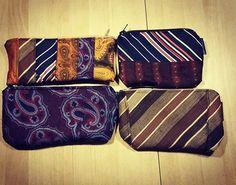 """""""Slipsedrenge"""" små punge syet af lækre retro slips. Flere er på vej. Sælges når alle er færdige. Mangler lige lidt detaljer."""