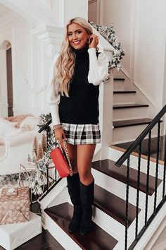 Girly Outfits, Trendy Outfits, Cute Outfits, Holiday Style, Holiday Fashion, Check Mini Skirt, Orange Handbag, Cold Weather Fashion, Leather Skirt