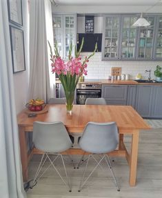 49 Trendy home remodeling living room kitchens Cozy Kitchen, Kitchen Redo, Home Decor Kitchen, Interior Design Living Room, Home Kitchens, Kitchen Remodel, Kitchen Ideas, Kitchen Cabinets, Kitchen Chairs Ikea