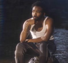 Donald Glover in Sza's garden say it like dat music video Yeezy, Bae, Donald Glover, Childish Gambino, My Escape, Black Is Beautiful, Pretty Boys, Pretty People, Comedians