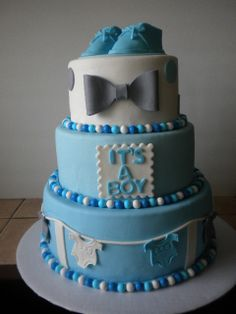 Baby Shower - Booties and clothes line baby shower cake