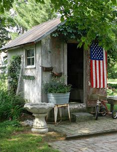 love the shed and the flag...