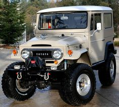 """1968 fj40 land cruiser. Alright, it's not a """"car"""" per se, but you can't deny that it's sweet."""