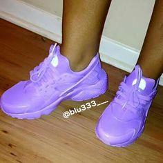 ⚠️ATTENTION:Pinterest: @blu333___ Add sc: just.blu333 YouTube: Blue's  with blu333 TUMBLER: justblu333 ⚠️INSTAGRAM:Flex.Bed.Baddies #2018 #heels #shoes #slides #kicks #shoegame #sandals #sneakerhead #blu333