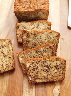 Pain aux bananes ultra moelleux, banana bread from Ricardo. The web site is also… Moist Banana Bread, Banana Bread Recipes, Banana Bread Recipe With Milk, Recipes With Old Bananas, Recipe Using Sour Milk, Coconut Banana Bread, No Bake Desserts, Dessert Recipes, Baking Desserts