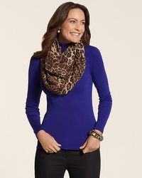 Love this scarf! It goes with anything plus, it benefits the cancer society!